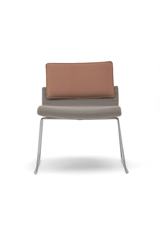 Gispen Triennial Relax chair with seat in Hallingdal 65 113 and back in Revive 2 433 front view