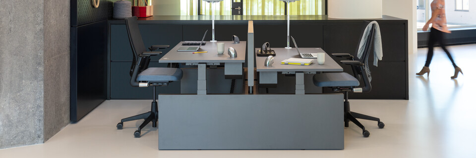 Royal Ahrend Comfort workstation in showroom Sint Oedenrode 02