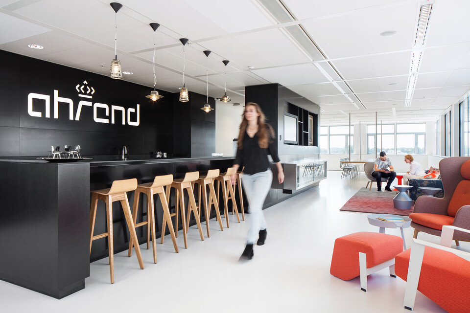 Royal Ahrend Inspiration Center in Amsterdam 4a