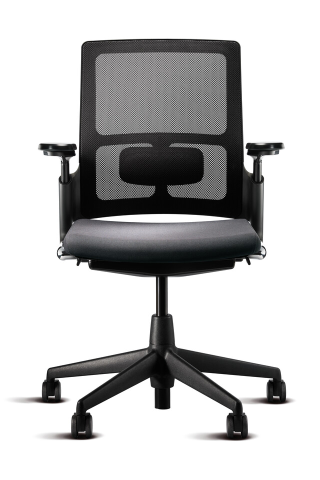 Royal Ahrend 2020 Verta office chair upholstered in dark grey with and black base with armrests in standard position front view