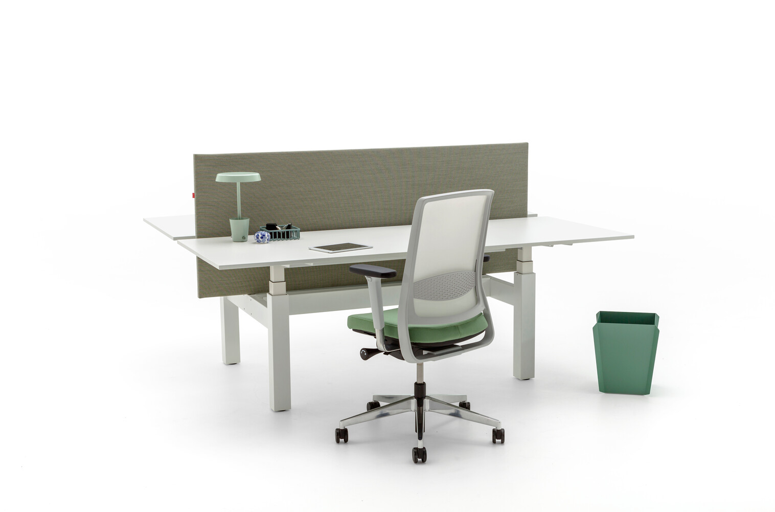 Gispen TM dual table with white frame and tabeletops with upholstered screen in SteelCutTrio2 253 and Zinn and Binit front left view