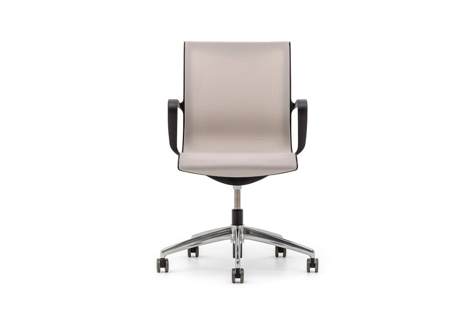 Gispen Turn conference chair with black base and armrests with black frame and beige seating front view
