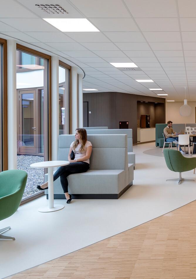 Royal Ahrend healthcare project interior view of Oogcentrum Noordholland in Heerhugowaard SB200613