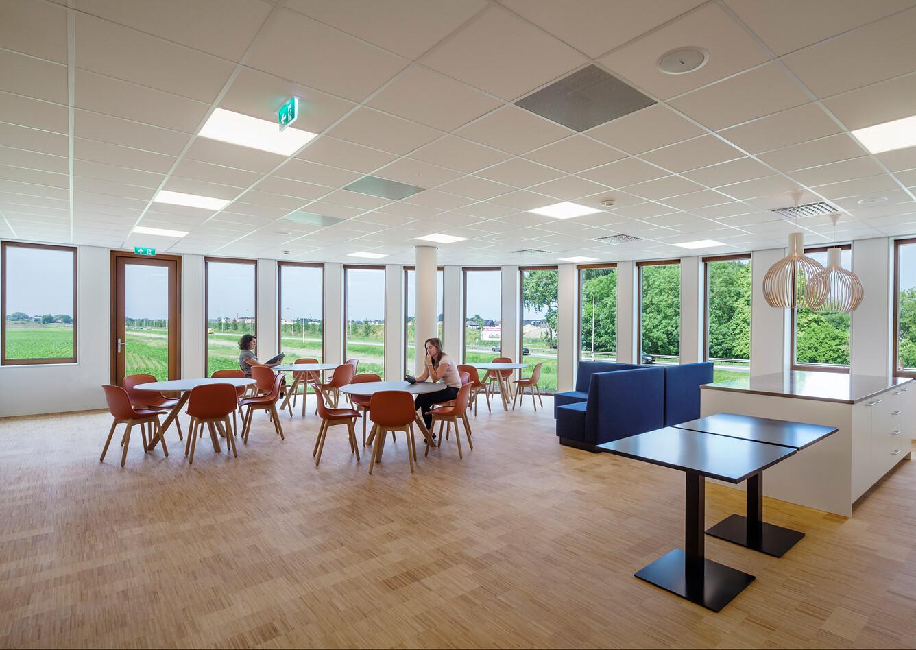 Royal Ahrend healthcare project interior view of Oogcentrum Noordholland in Heerhugowaard SB200620