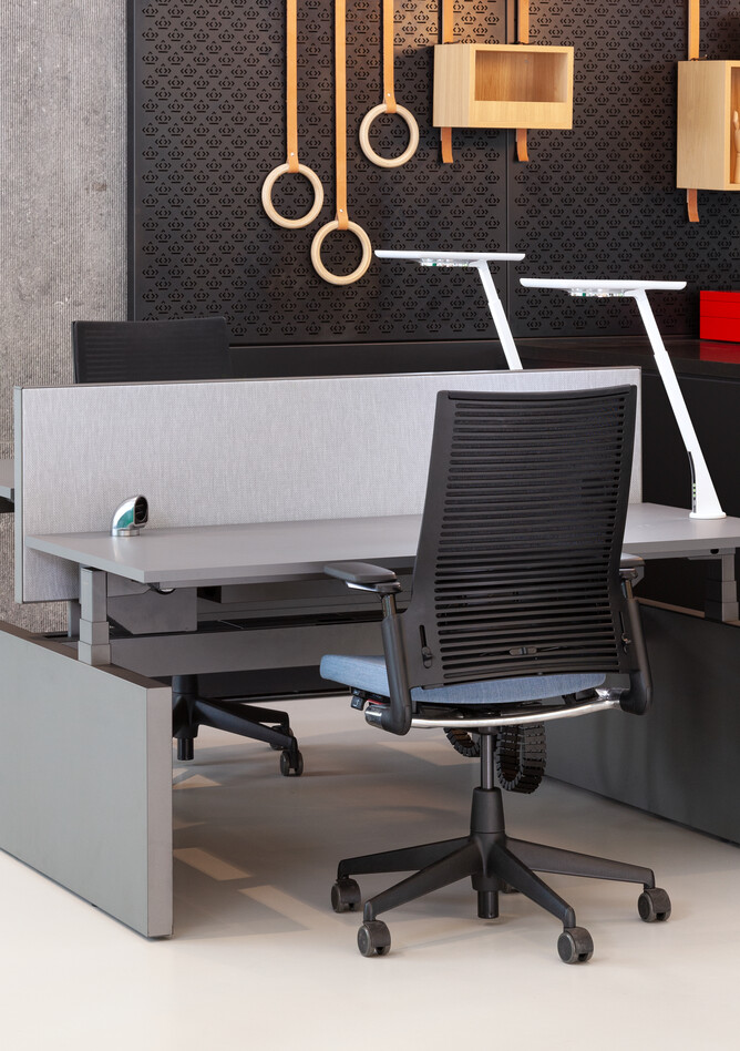 Royal Ahrend Comfort workstation in showroom Sint Oedenrode 11