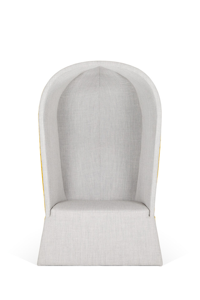 Royal Ahrend Kaigan armchair upholstered inside grey and outside in brown with circle pattern front view