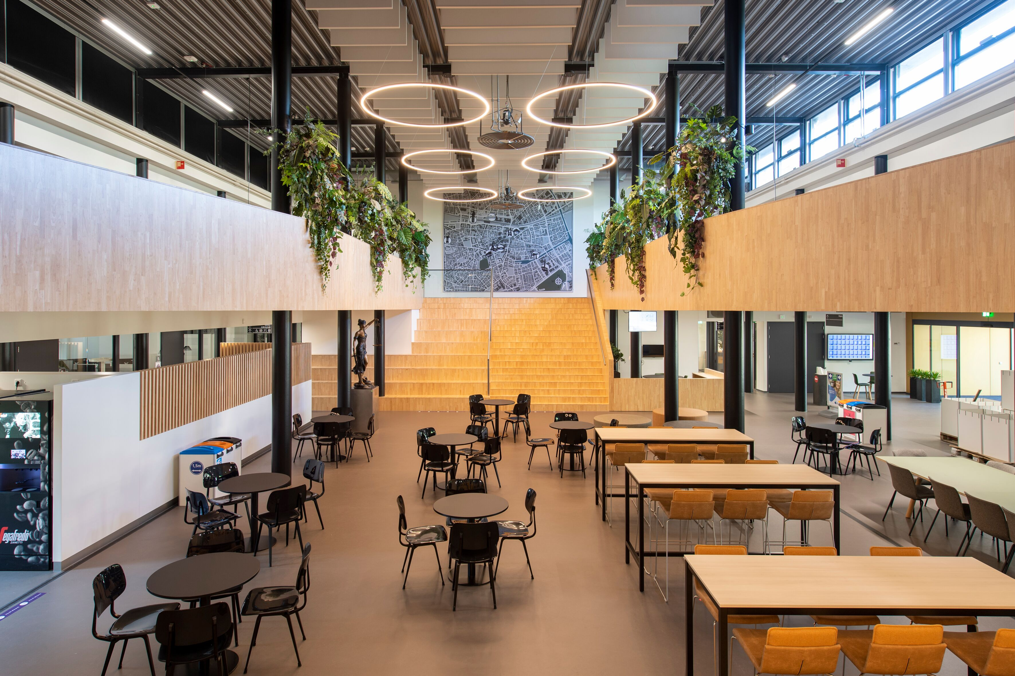 Gispen education project interior view of Avans Fontys Legal College in Tilburg BDF4571