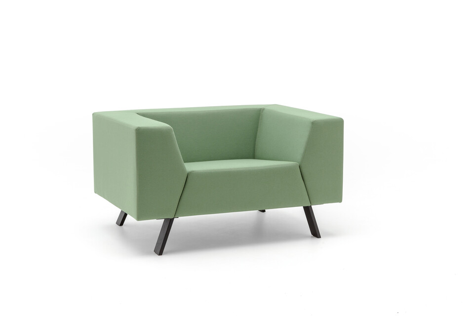 Gispen Sett low armchair in divina 856 green front left view