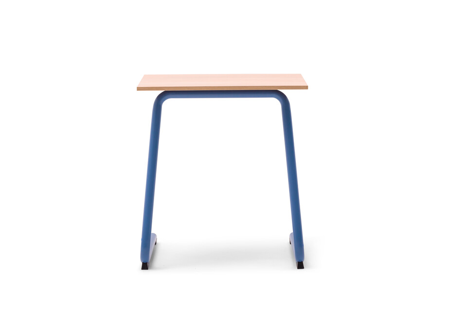 Gispen Eduu Comfort table with blue frame and beech grey tabletop front view