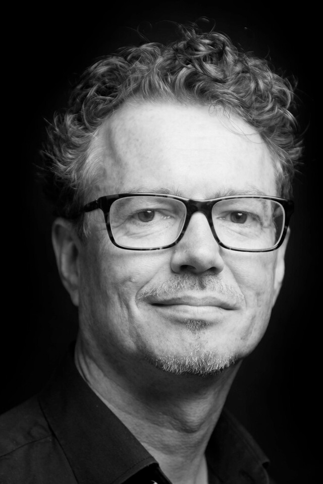 black and white portrait of Rob Lotstra
