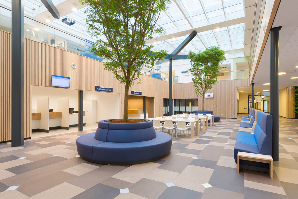 Gispen healthcare project Reinier de Graaf hospital in Delft K5B0586