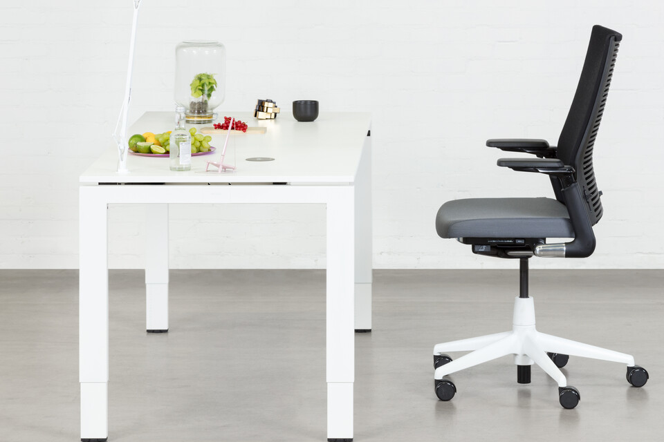 Royal Ahrend Balance 4 leg workstation in white with grey 2020 office chair left side view