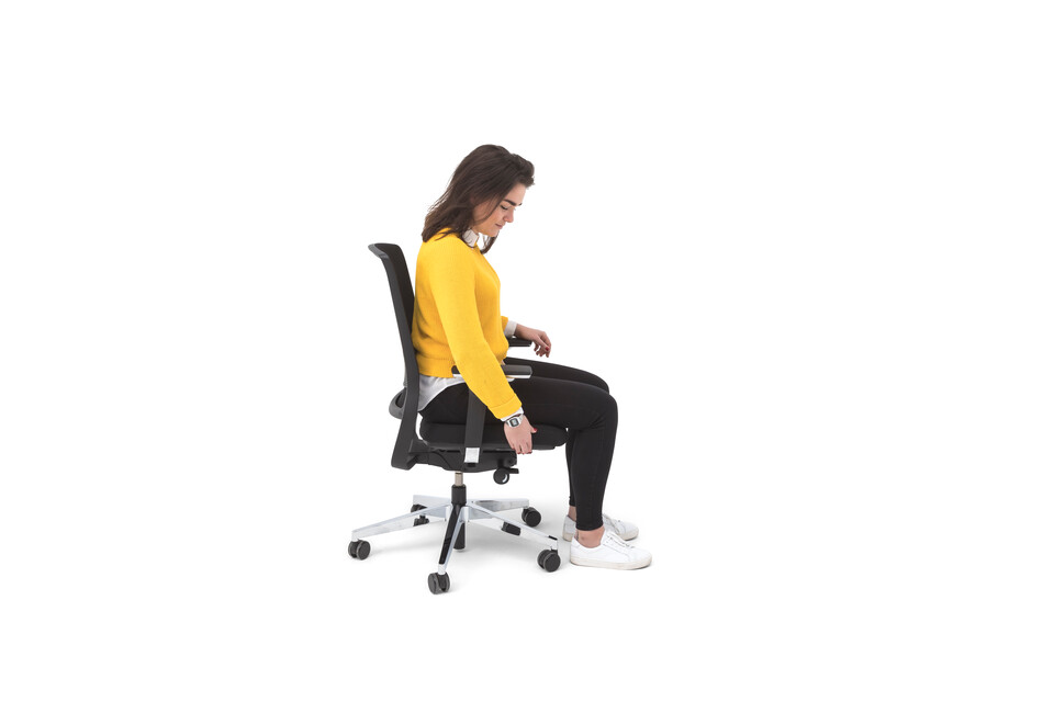 Gispen Zinn Office chair in black animation still 013 left side view