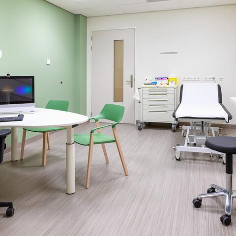 Gispen healthcare project interior view of Reinier Haga Orthopedisch centrum in Zoetermeer 00A9446