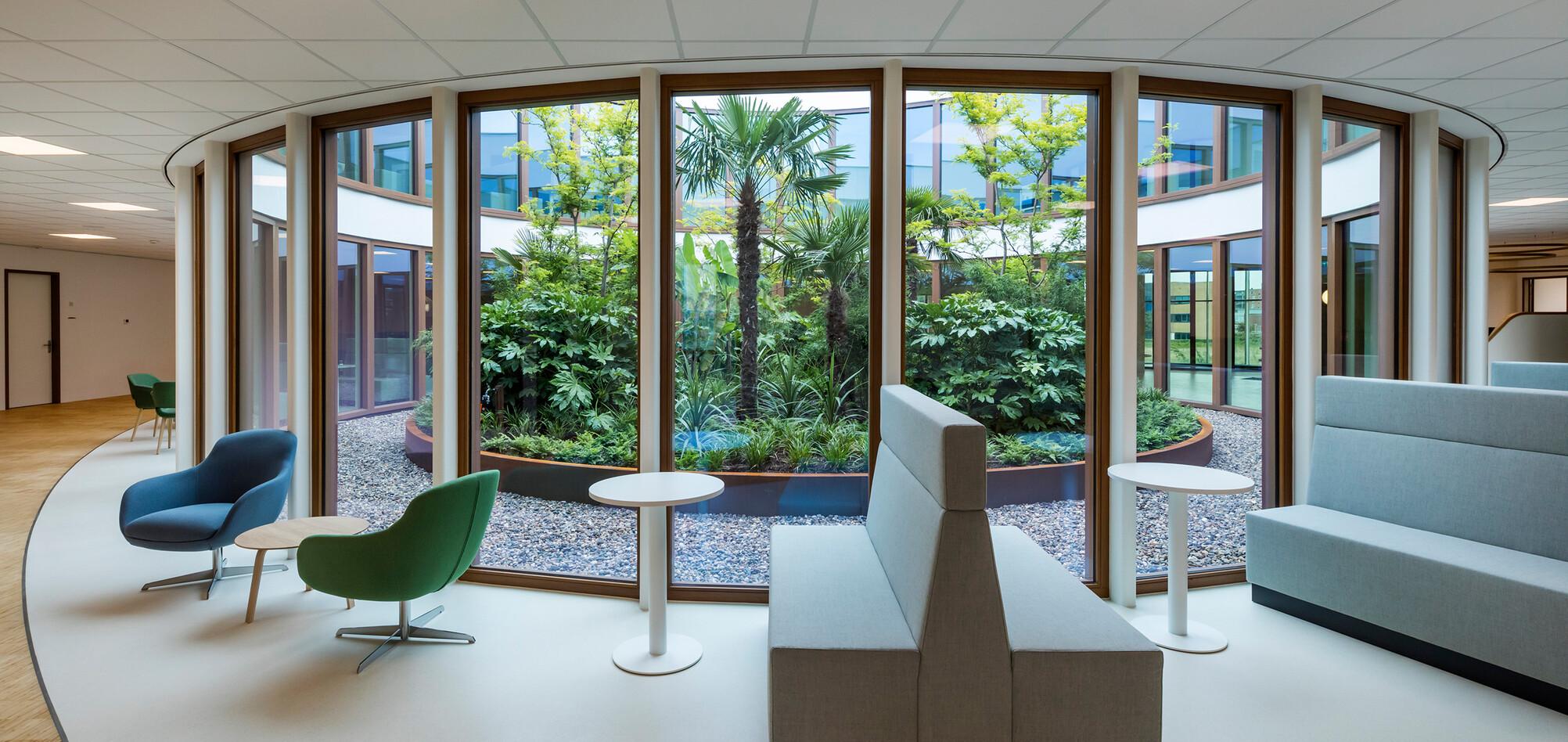 Royal Ahrend healthcare project interior view of Oogcentrum Noordholland in Heerhugowaard SB200611