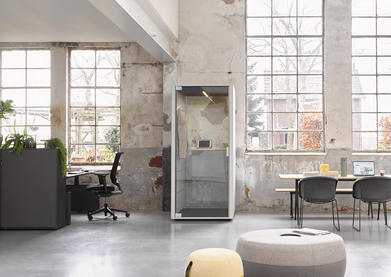 Ahrend Loungescape Powernap and SDK Balance with Ease and Qabin with Recharge Pyramid and Well armchairs in a Hybrid working community setting 01