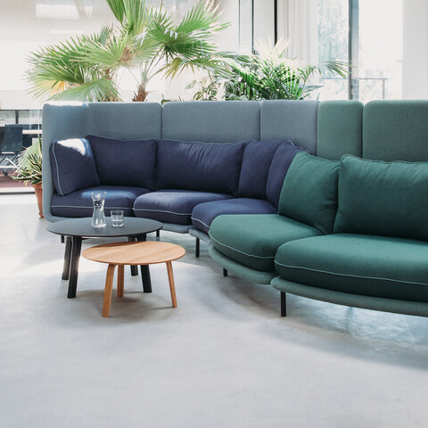 Royal Ahrend Embrace sofa upholstered in green and blue at HofmanDujardin office in Diemen EB007