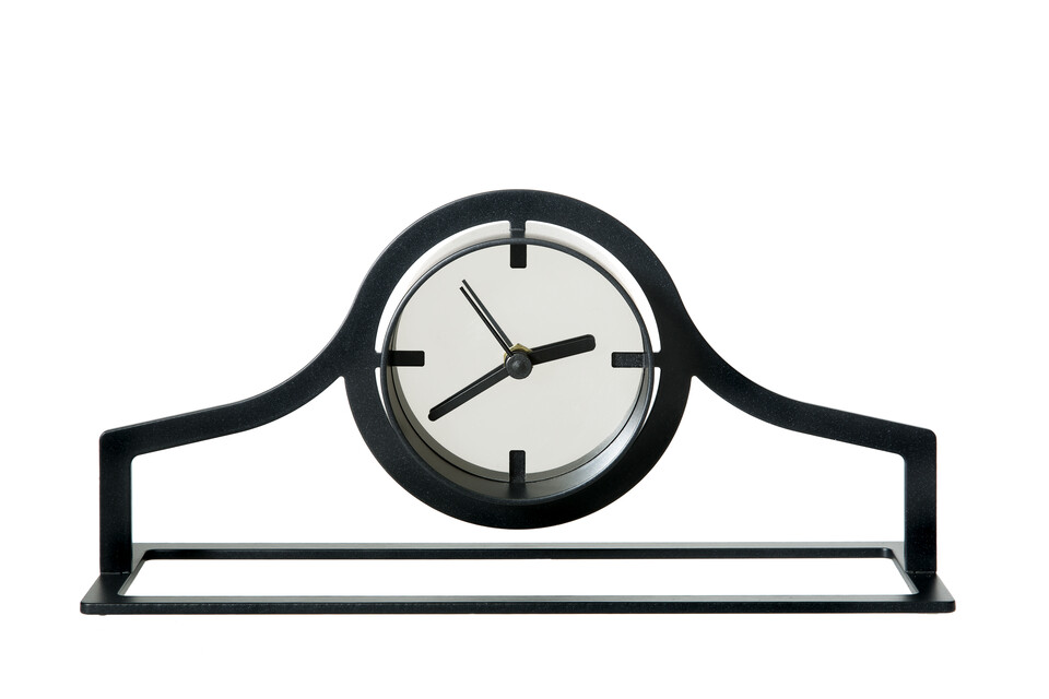 Gispen Outline clock low in black front view