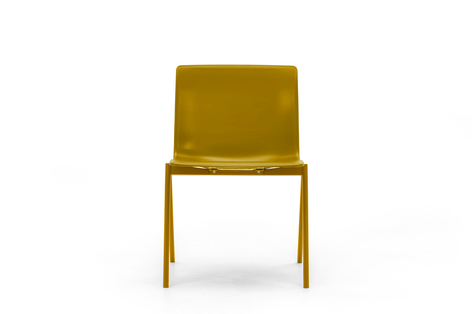 Gispen Nomi Design chair with 107 curry yellow RAL 1027 frame and curry yellow shell front view