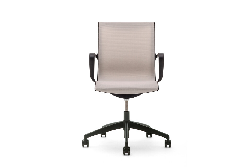 Gispen Turn conference chair with polished base and armrests with black frame and beige seating front view