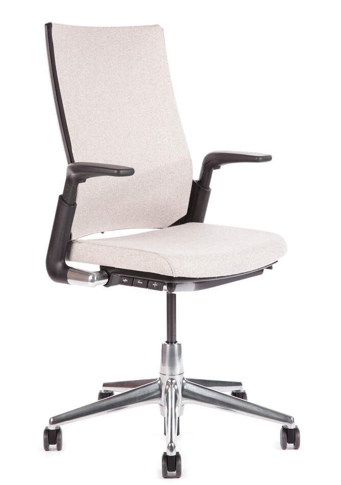 Royal Ahrend 2020 Extra Verta office chair fully upholstered in off white and polished base front left view