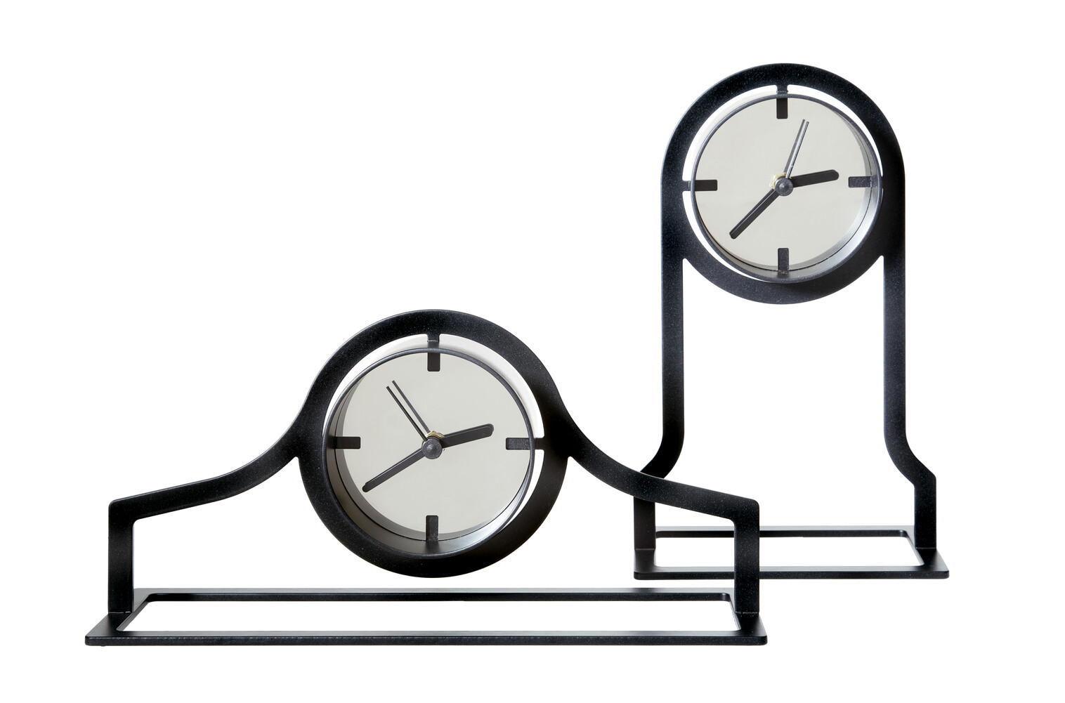 Gispen Outline clock low and high in black front view