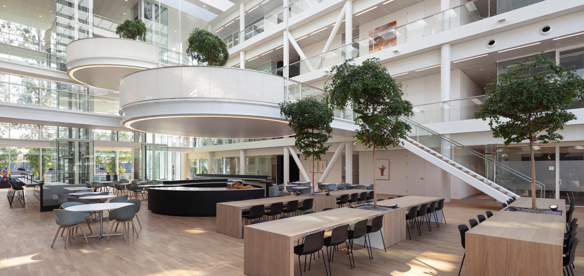 Royal Ahrend office project Genmab in Utrecht SP15