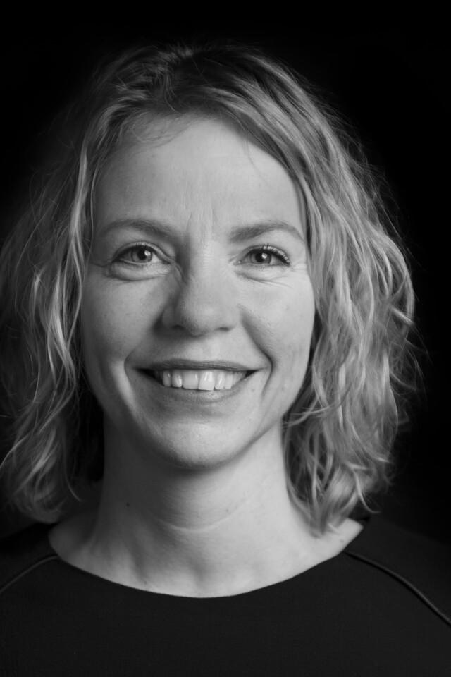 black and white portrait of Carola van de Bilt