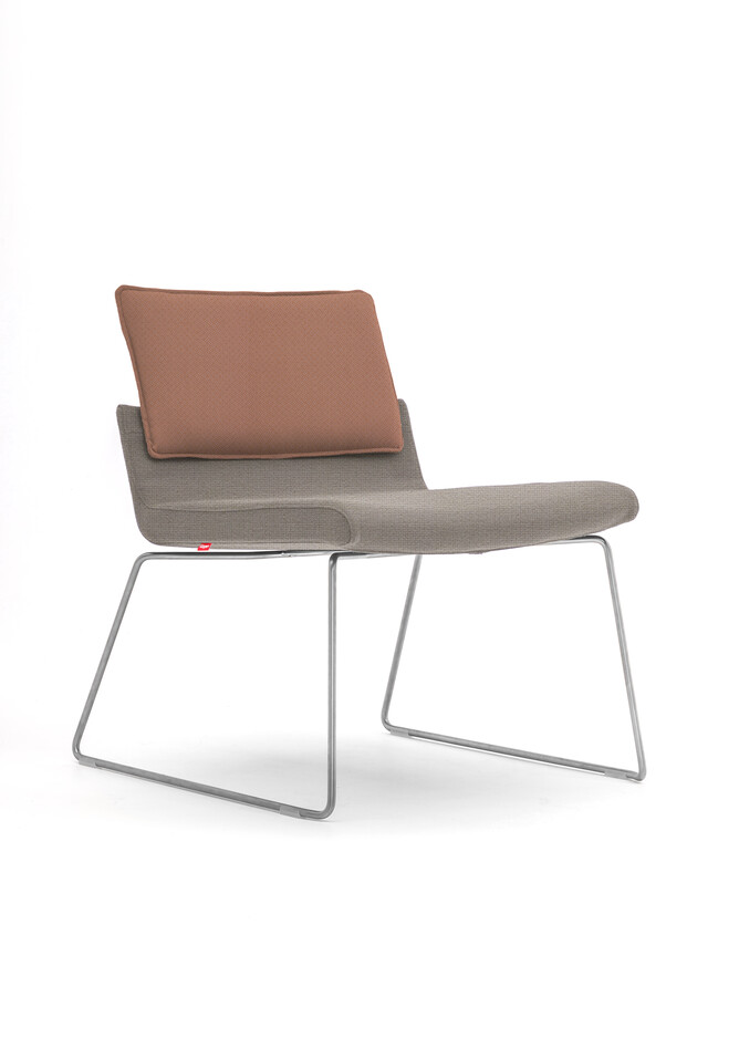 Gispen Triennial Relax chair with seat in Hallingdal 65 113 and back in Revive 2 433 front left view