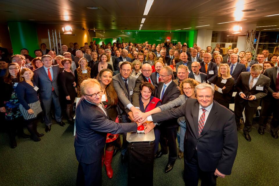 Rijksoverheid startschot grondstoffenakkoord met deelnemende partijen