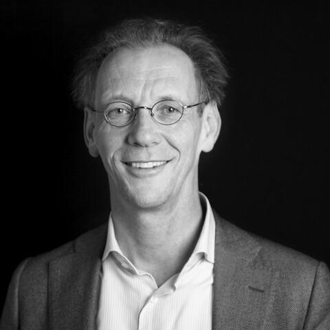 black and white portrait of Jeroen Ideler