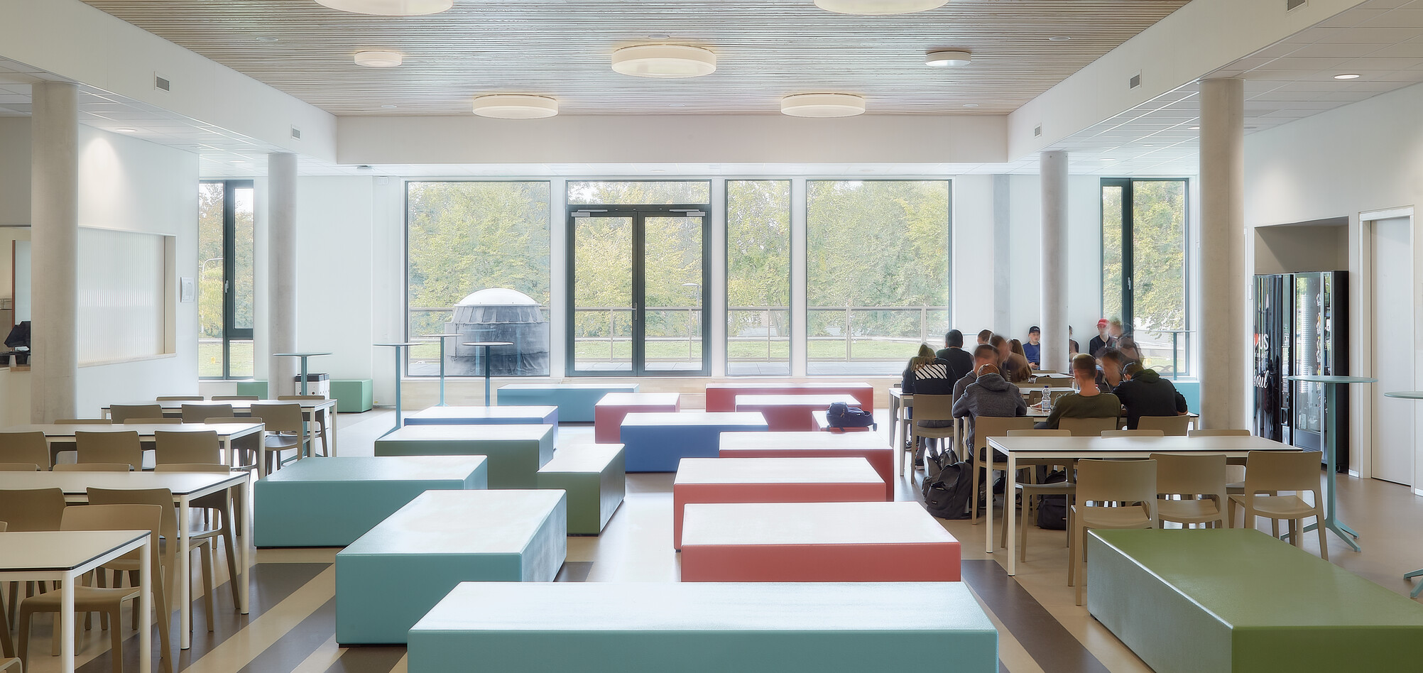 Royal Ahrend education project 2College Jozefmavo in Tilburg GVBF007