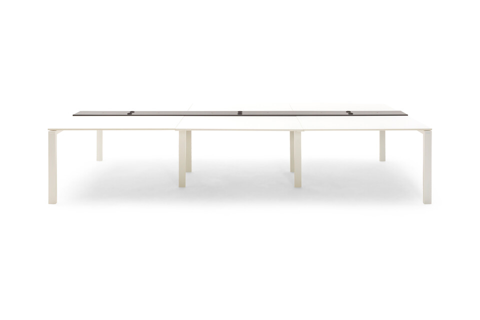 Gispen IC bench in white front view