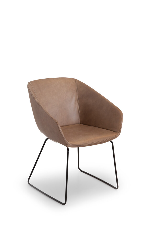Royal Ahrend Hesta S05 armchair upholstered in brown leather front left view