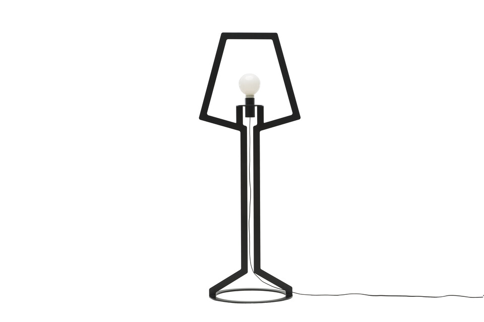 Gispen Outline floorlamp in black front view