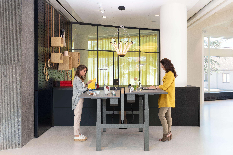 Royal Ahrend Comfort workstation in showroom Sint Oedenrode 04