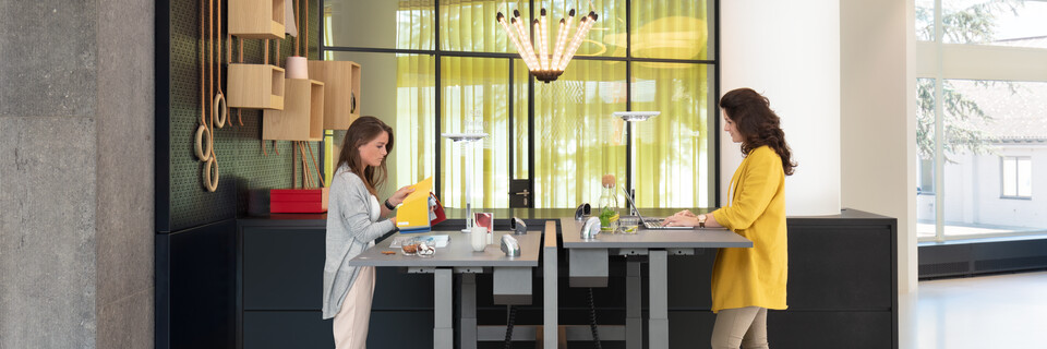 Royal Ahrend Comfort workstation in showroom Sint Oedenrode 04