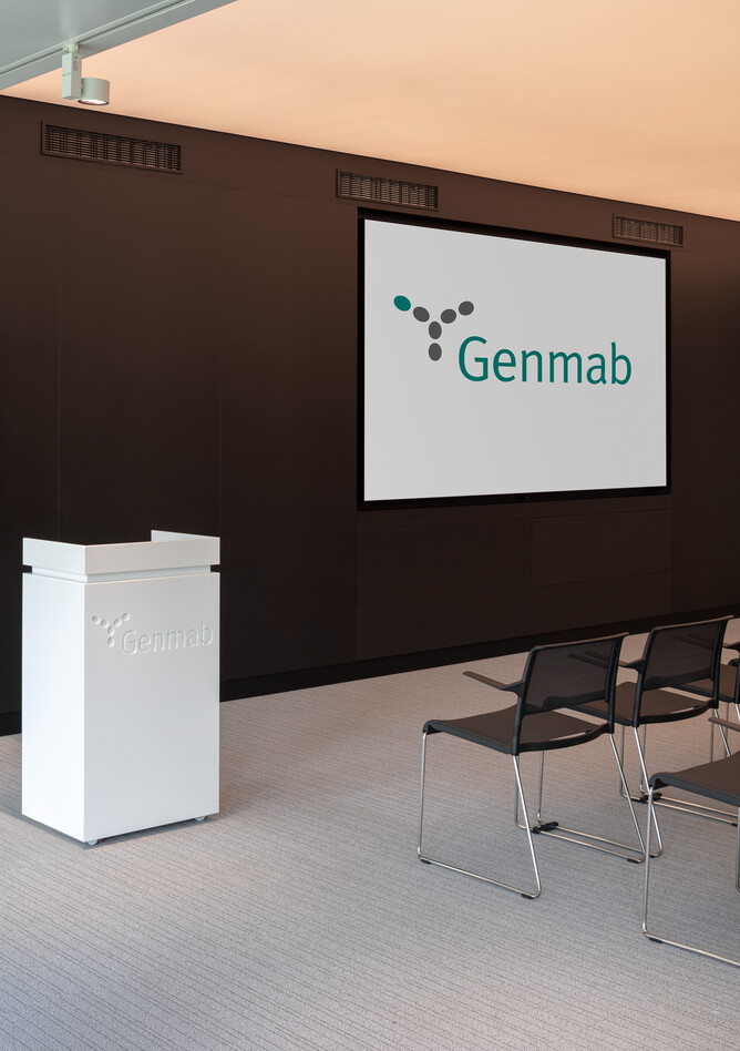 Royal Ahrend office project Genmab in Utrecht SP19
